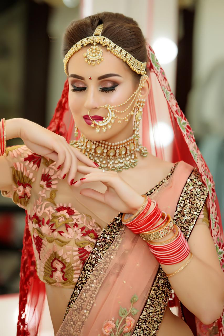 MDM Makeup academy in Delhi look