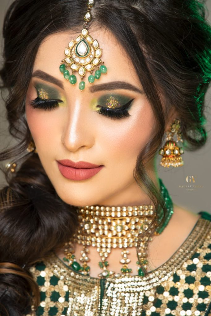 makeup courses in Lucknow look