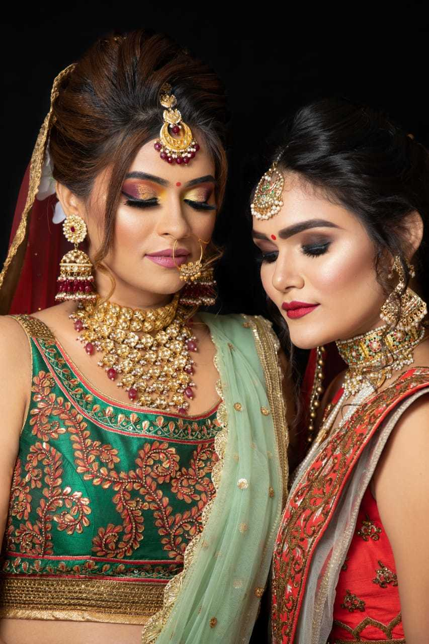 makeup courses in Delhi Look